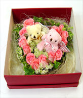 15 Pink roses ,2 bears,green leaves. gift box included